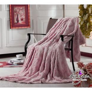 Меховое покрывало розовое Милан с волнообразными полосами