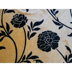 Коричневый с черными цветами