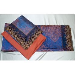 Темно-синее постельное белье из жаккарда с оранжевым принтом