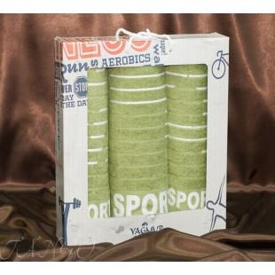 Комплект махровых зеленых полотенец на спортивную тему