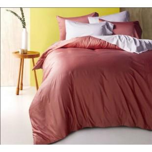 Однотонное постельное белье малинового цвета сатин