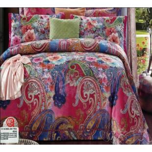 Гобеленовое постельное белье малиновое с восточным узором и цветами