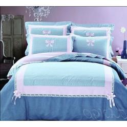 Комплект постельного белья голубой гаммы с бантиками и гипюром