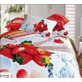 Красочное постельное белье с клубникой и капельками воды