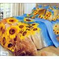 Красивое постельное белье с желтыми подсолнухами на синем фоне