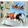 КПБ бамбук-сатин с черной, белой и рыжей лошадьми