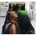 Комплект из турецкого бамбука - счастливая девушка на фоне зелени