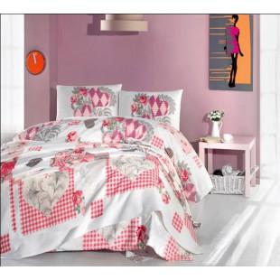 Постельное белье с покрывалом в бело-розовой гамме