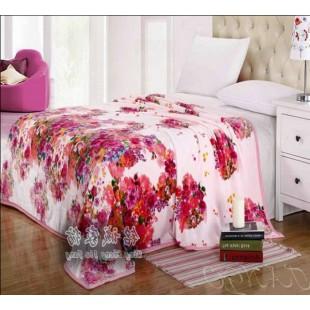 Плед бледно-розовый фланелевый с цветочным рисунком