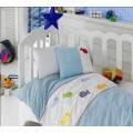 Бело-голубое постельное белье с вышивкой - рыбки (ясли)