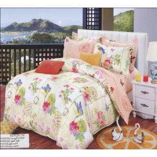 Нежно-абрикосовое постельное белье с милым цветочным панно