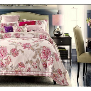 Бело-розовое постельное белье с цветочным рисунком