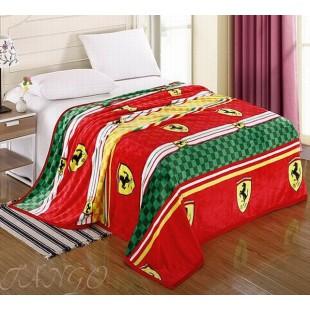 Яркий плед на кровать с логотипом Феррари