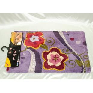 Коврик для ванной сиреневого цвета с цветами
