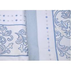 Постельное белье с вышивкой и аппликацией белое с голубым